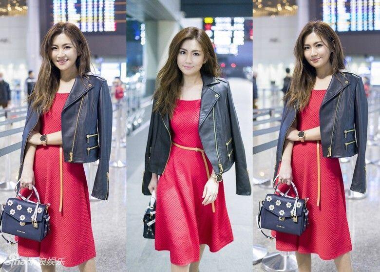 组图:Selina出发纽约时装周 皮衣搭红裙美回巅峰期!