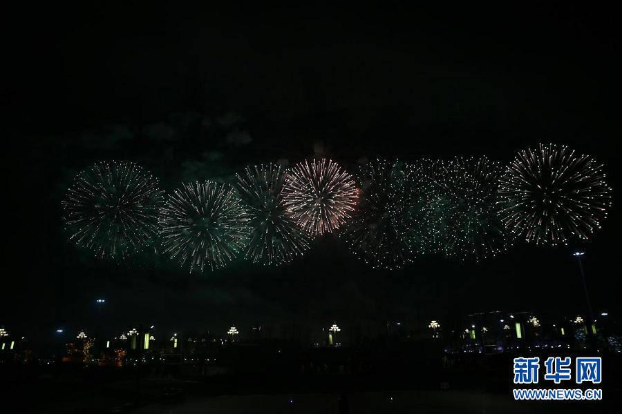 【新春走基层】元宵节音乐烟花晚会 数万民众观赏