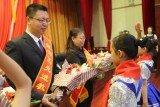 东河区表彰教育先进集体和个人