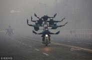 印度将迎来第69个共和日 士兵雾霾中加紧彩排
