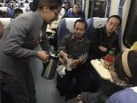 开行一个甲子的包头进京列车 春运中的K264次