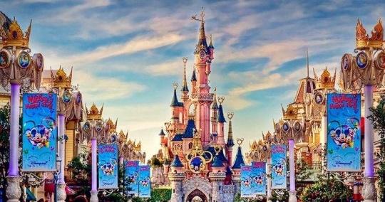 迪士尼拟投20亿欧元扩建巴黎主题乐园