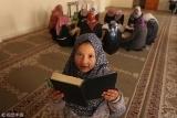 世界读书日:聚焦无处不在的看书人
