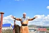 新加坡华侨杨栋:我的任务就是把内蒙古的魅力介绍给海外