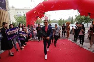 香港影星郑浩南 助阵包头华美医疗美容医院开业盛典