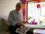 """79岁沙尔沁老汉写书""""说沙尔沁的事"""""""