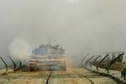 大奖娱乐官方网站_陆军在新疆库尔勒举行军事集训 近400名将校军官推演未来战争