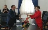 中国和波黑免签协定月底生效