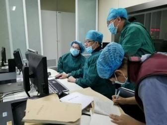 大奖娱乐pt_内蒙古包钢医院成功抢救一例心脏骤停的七旬老人