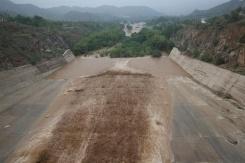 昆都仑水库水位升高6.36米 属历史最高水位  开闸泄洪