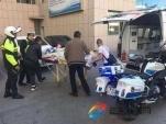 争分夺秒 暖心救助 警察为外地来包的伤者开辟生命通道