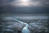 新研究发现格陵兰岛冰盖下或存第二个撞击坑