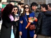 鲜花迎接妇女节