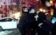 包头18岁青年持刀挟持人质,民警40秒夺刀救人……