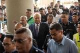 马来西亚法院开始审理前总理纳吉布涉嫌贪腐案件