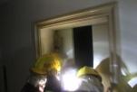 車禍導致包頭一小區停電,十余名居民被困電梯內
