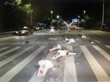 深夜,我市一司機酒駕橫沖直撞,10多米護欄毀于一旦
