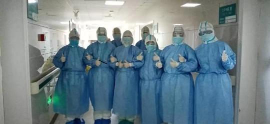 淚目!包(bao)頭(tou)赴(fu)湖北援助醫療隊員傳來現場照片…