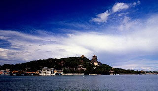 清明小长假北京市属公园游客量比去年同期少7成