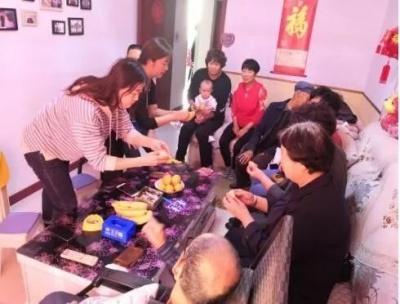 九九重阳节 浓浓敬老情:百灵庙镇各社区组织开展庆重阳节活动