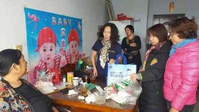 朵兰戈尔社区党总支为辖区内残疾人送去春节慰问