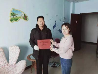 朵兰戈尔社区党总支走访慰问退役军人
